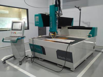 Flow Mach 200 Waterjet System with Pivot Head