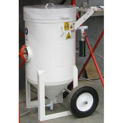 S Series Abrasive Feed Hopper, 300kg garnet capacity, AS 1210 pressure vessel, automatic pop up sealing valve, Fine mesh screen, lid, inlet regulator and blowdown muffler
