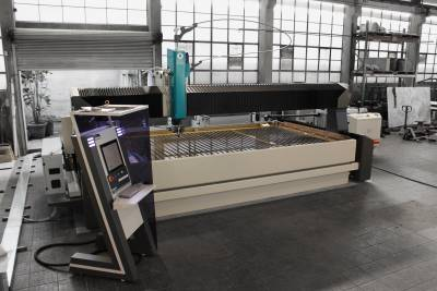 Mach 500 Waterjet System Installation By Performance Waterjet